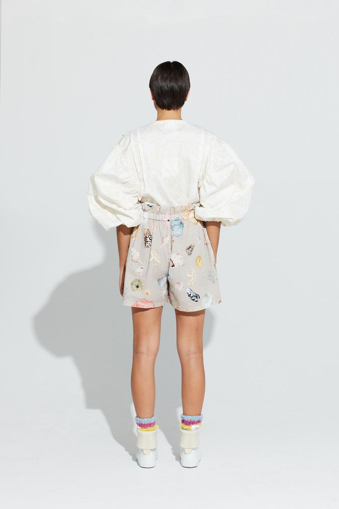 Mellomholmene Shorts - Grey Shell Print