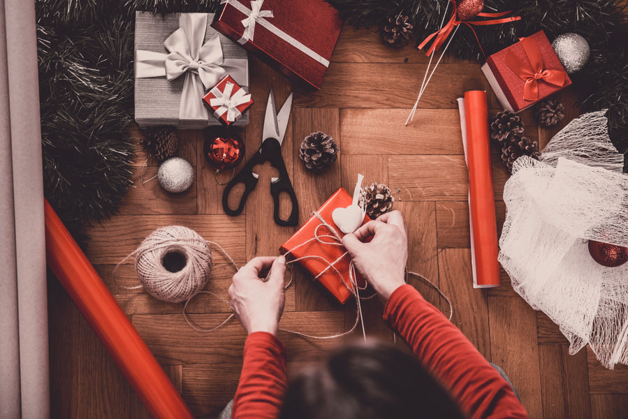 Top Ten Tinsel Tips For Wrapping Christmas Gifts