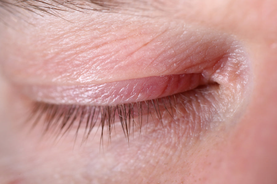 How to Thicken Those EYELASHES as You Grow Older