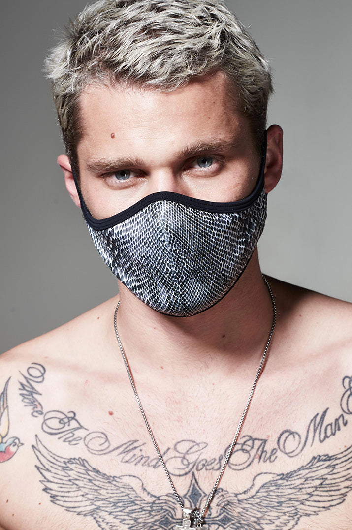 KML DUST FACE MASK - SNAKESKIN BLACK / WHITE