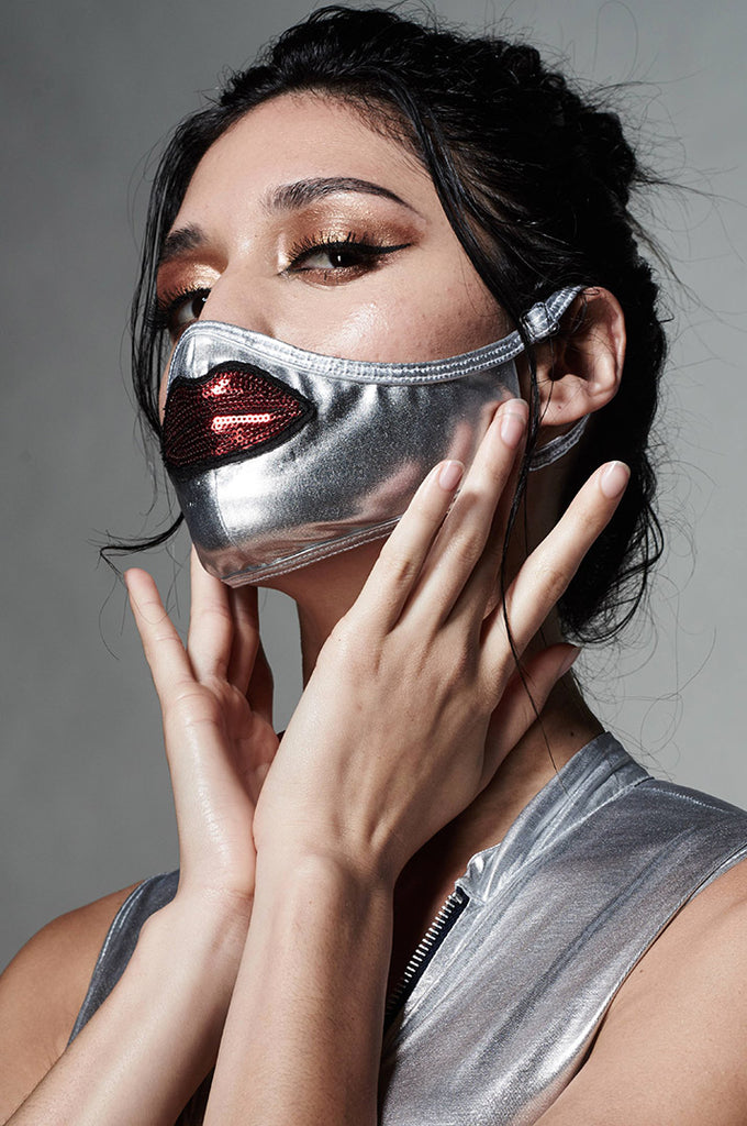 KML DUST FACE MASK - METALLIC SLIVER W/ LIPS