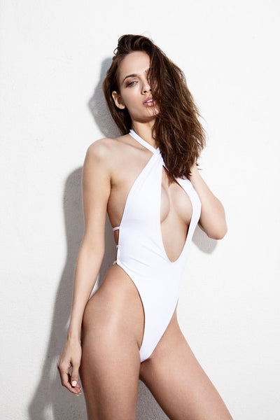 COURTYLN One Piece