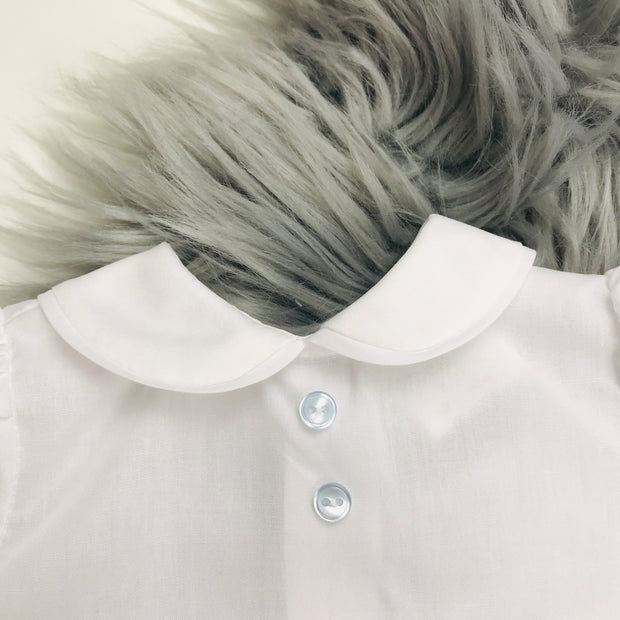 White Shirt Collar Close