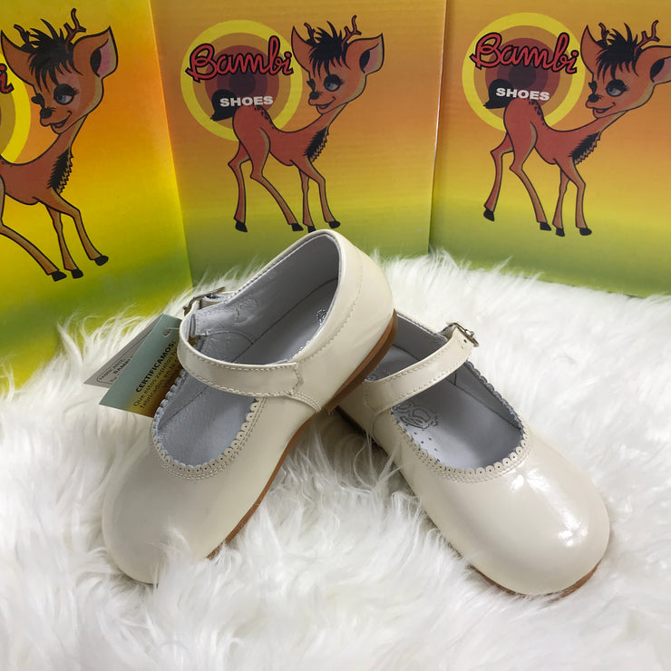 Beige Mary Jane Shoes Close