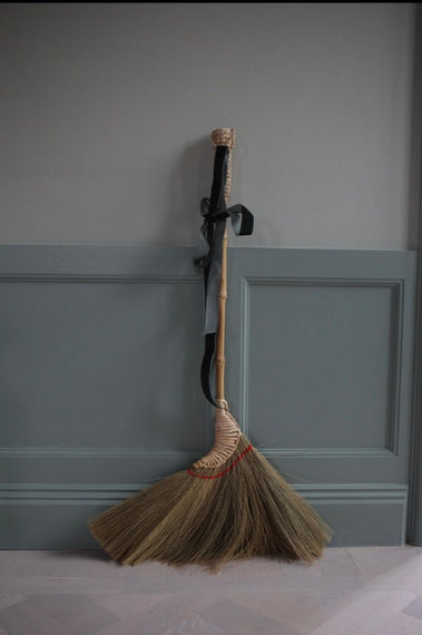 Grass Broom - long
