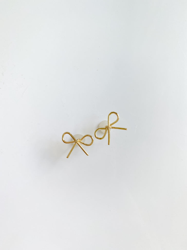 stud collection: golden bow stud
