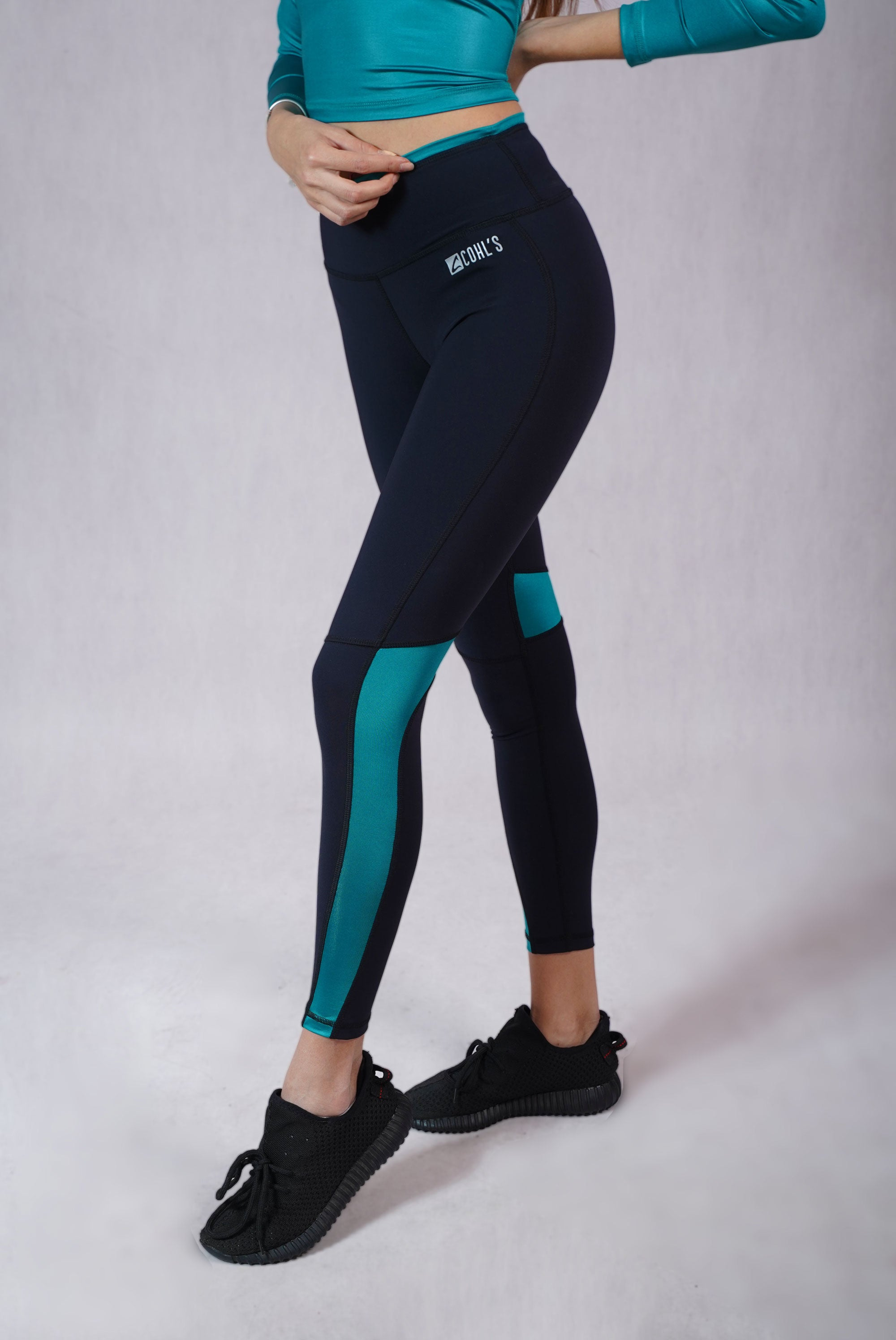 Glossy Detail Leggings Black/Emerald- C112008