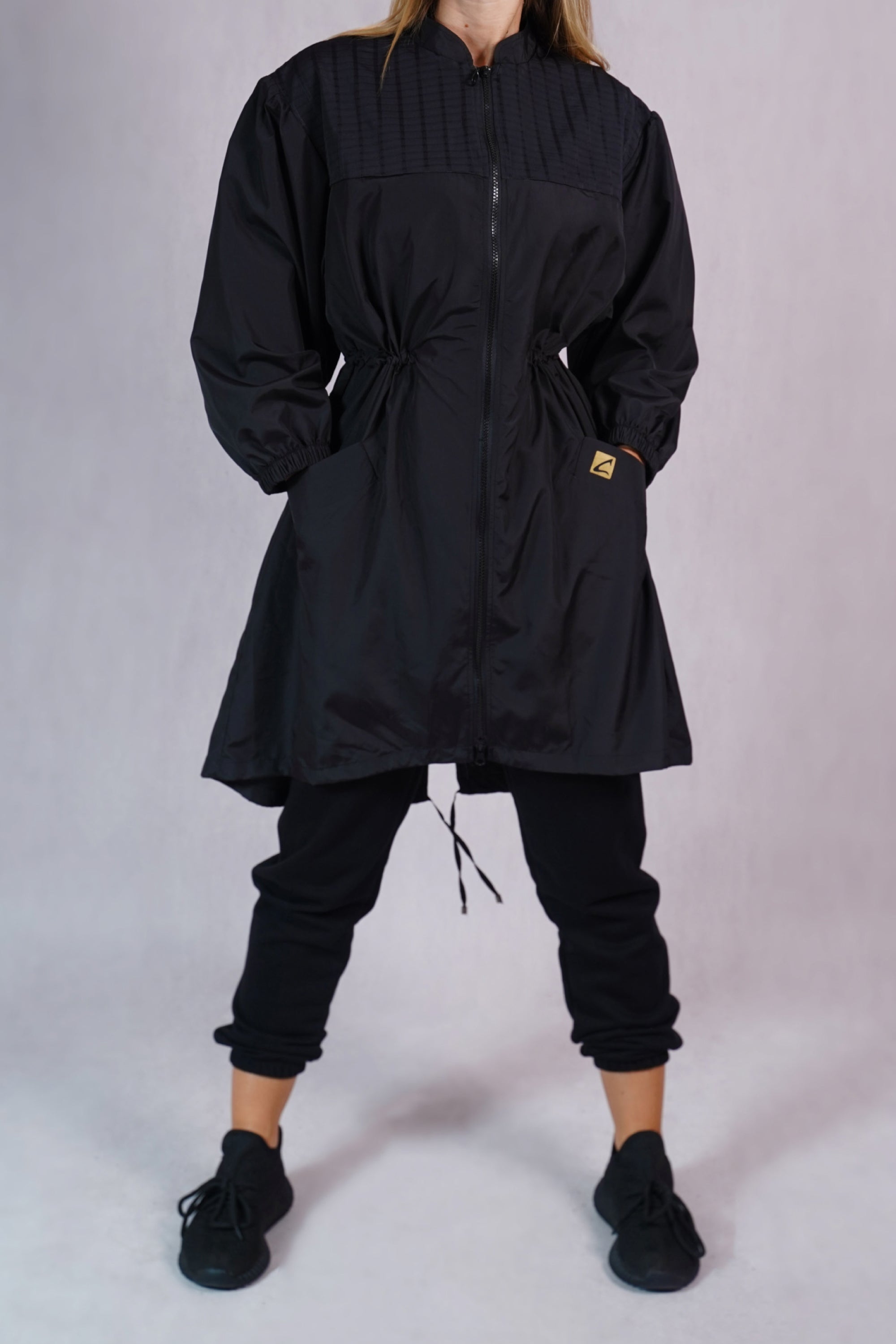 Windbreaker Trenchcoat in Black - C173001