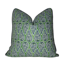 Load image into Gallery viewer, Kelly Green Paisley Pillow Cover