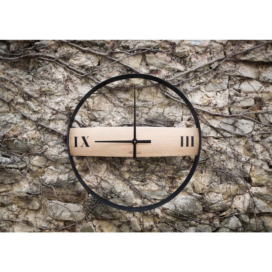Sleek BARRIC clock