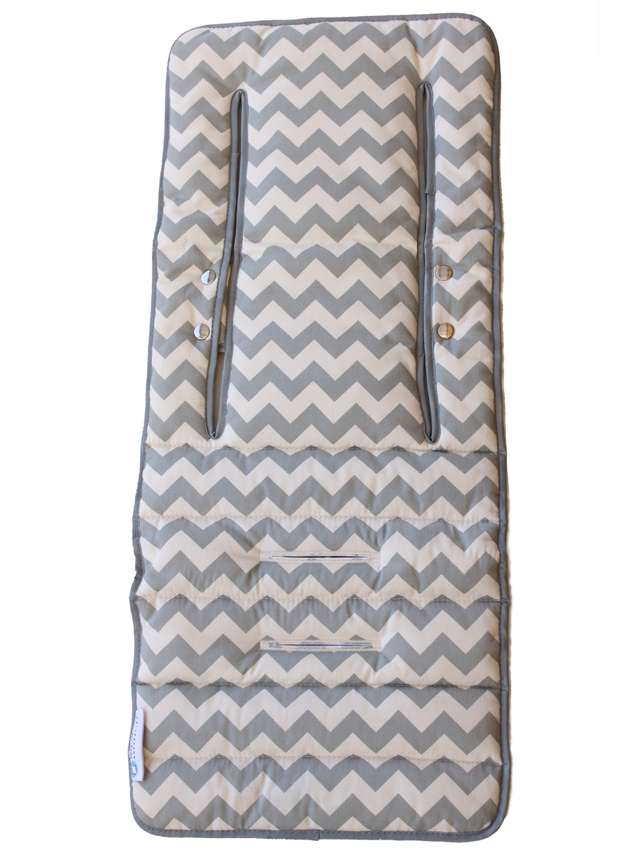 2 in 1 Infant Footmuff Set- Grey Chevron