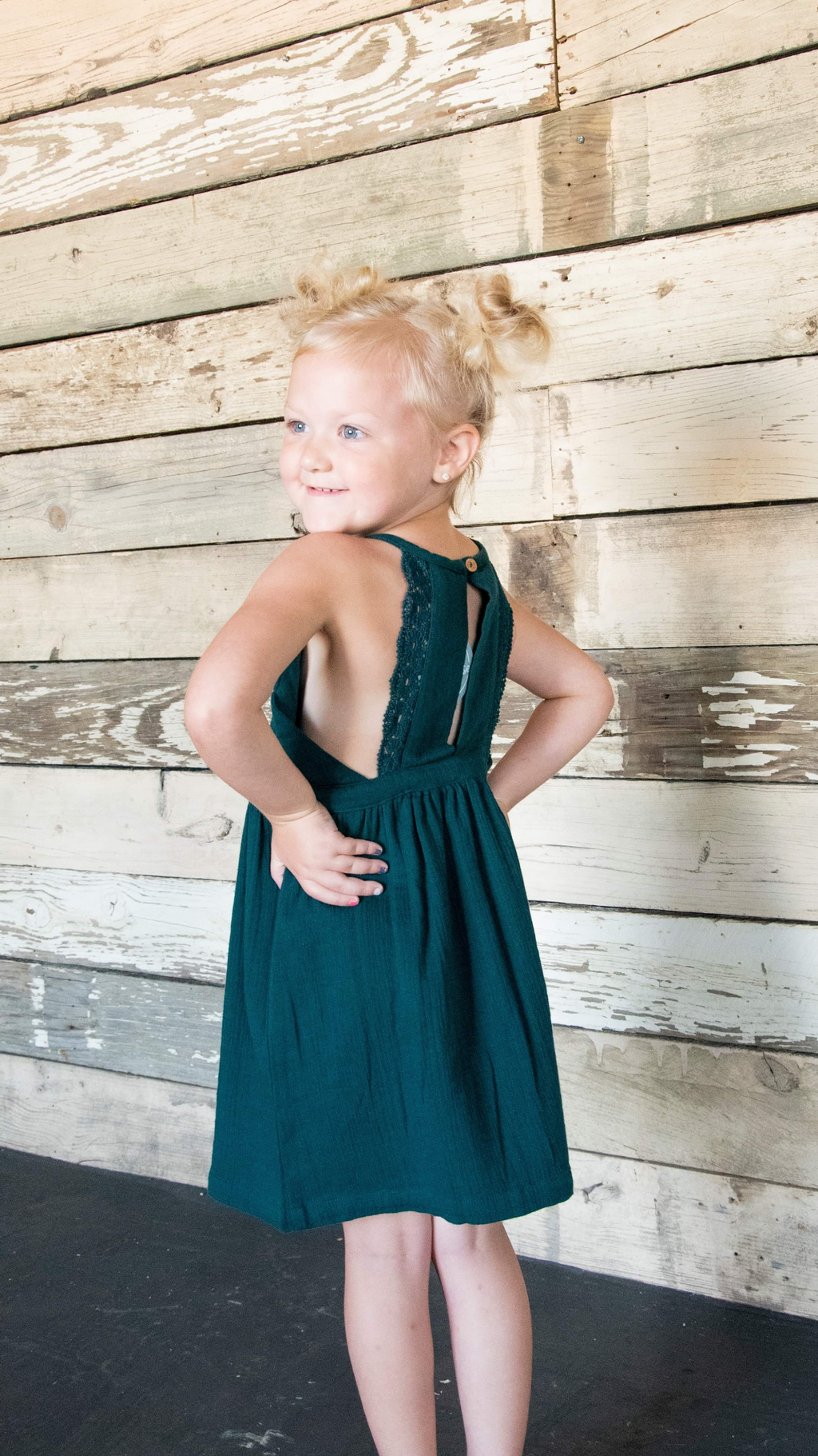 Pine crinkled lasce back dress