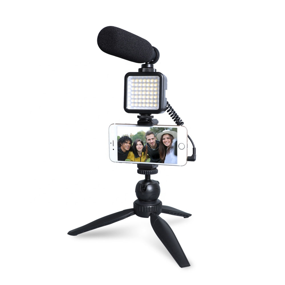 Maono Smartphone Podcast Microphone / Streaming Microphone with Lamp - 100 Gizmos