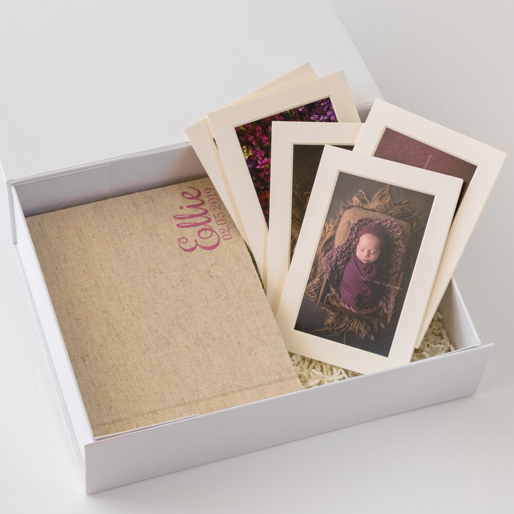 White Box Set 6: 10 Photo Album & 5 Mounts