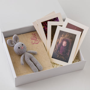 White Box Set 4: 10 Photo Album, Bunny & 5 Mounts.