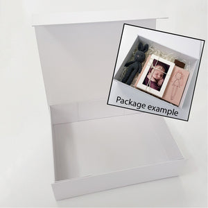 LARGE gift box with FREE lid print (EMPTY. But available as a box set)