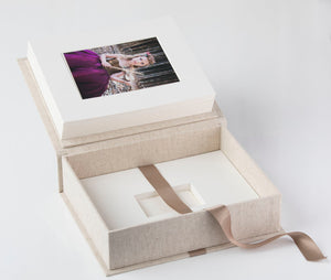 "10x8"" Premium Box with USB section (optional - 15 Mounts)"