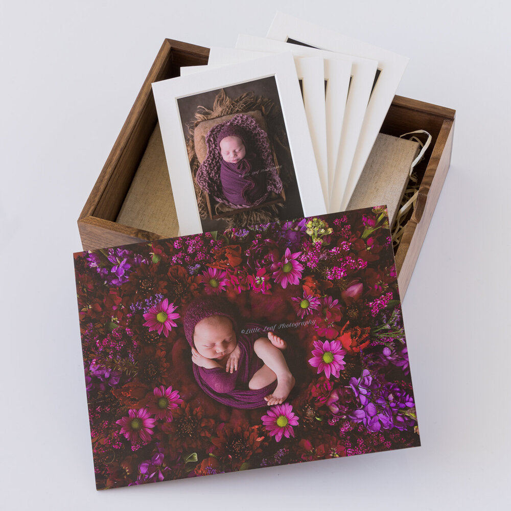 Wooden Box Set 46:  2 Photo Display Frame & 5 Mounts.