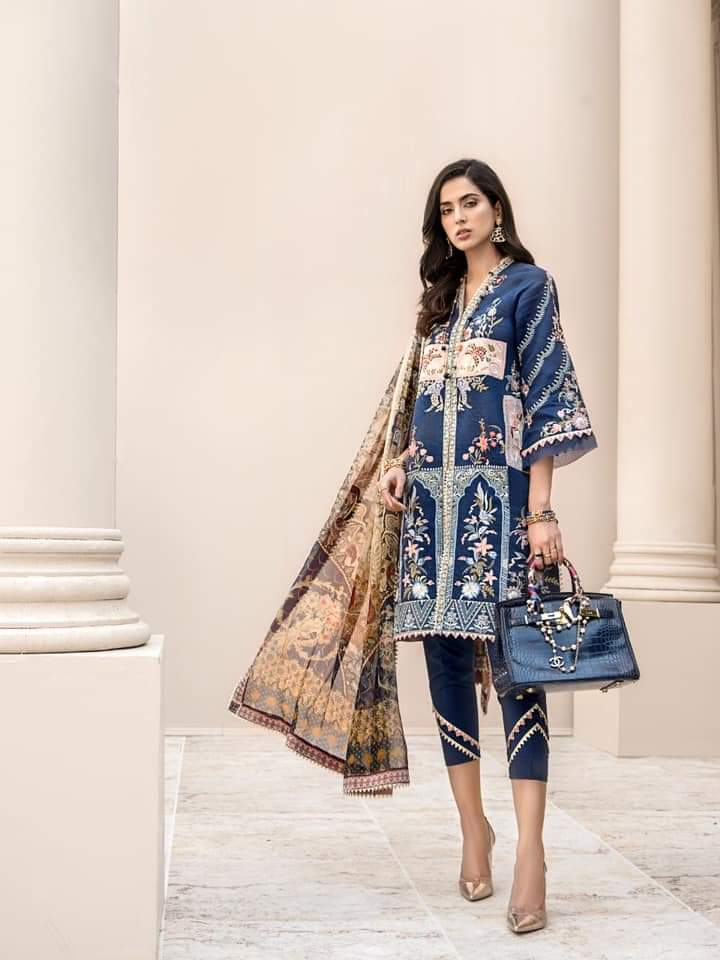 Noor Luxury Lawn Collection 2020 D-5a