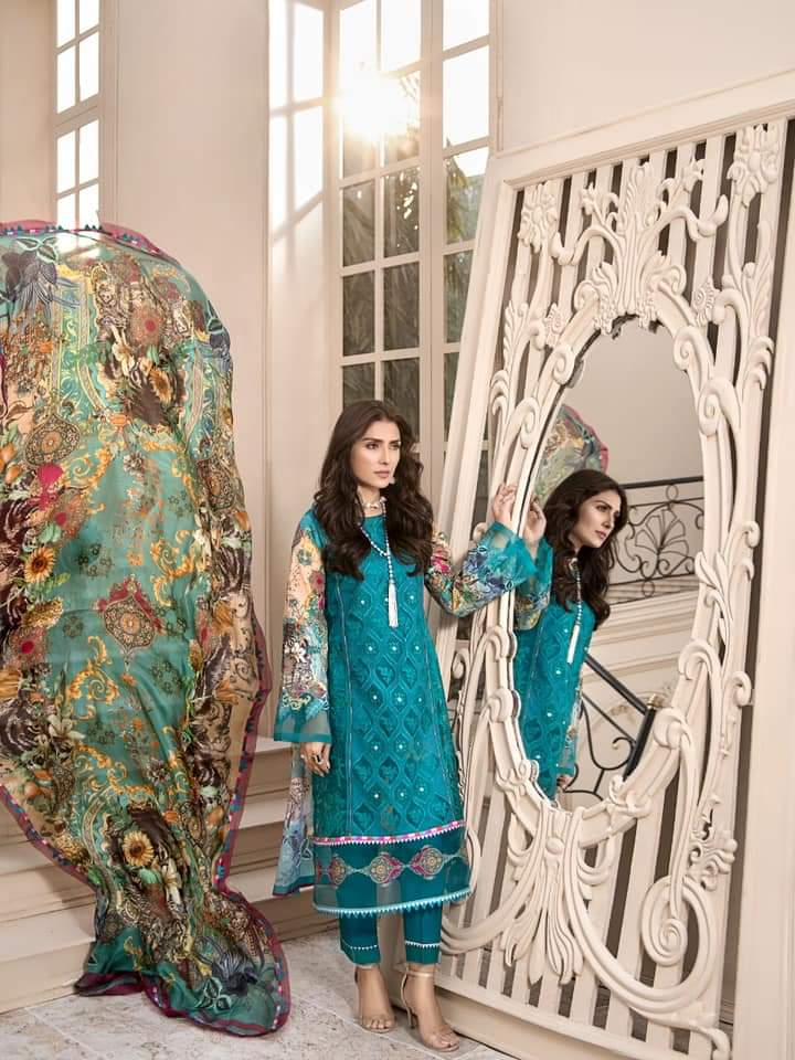 Noor Luxury Lawn Collection 2020 D-7a