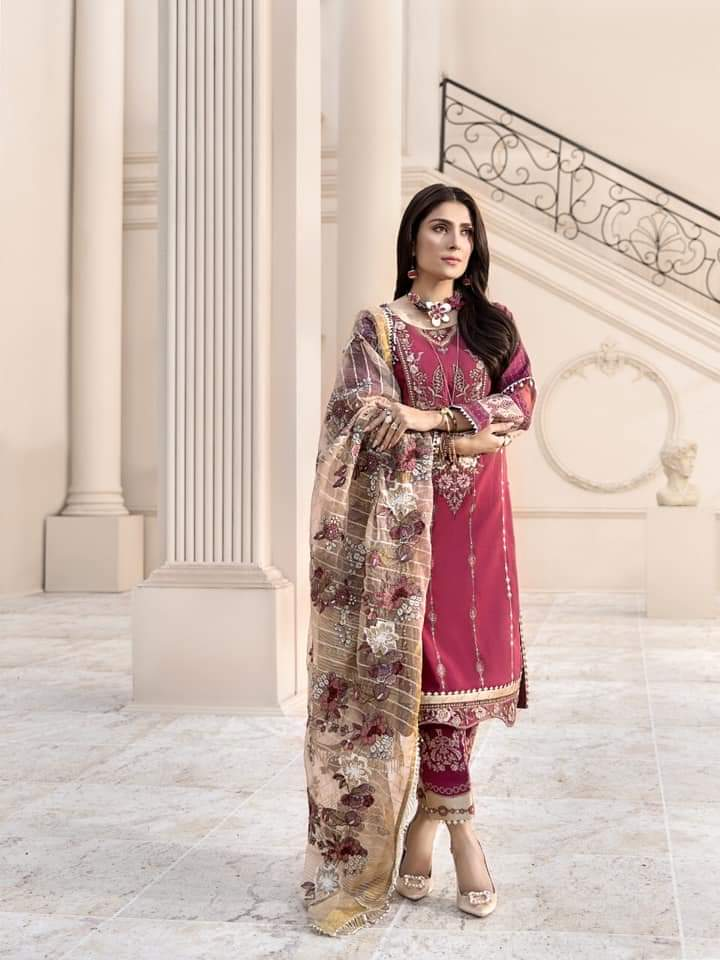 Noor Luxury Lawn Collection 2020 D-11b