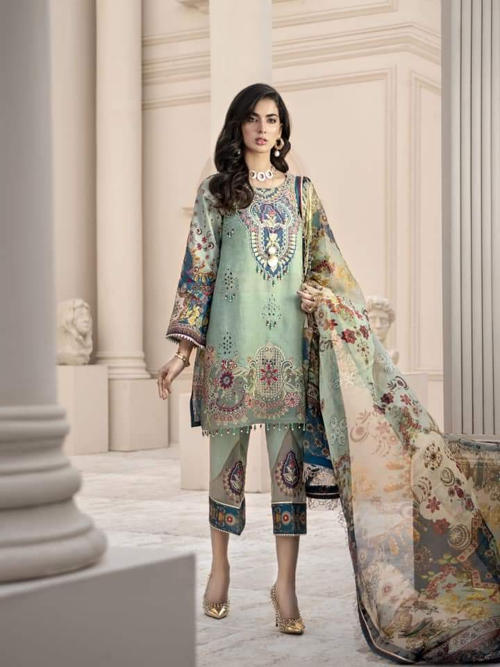 Noor Luxury Lawn Collection 2020 D-12b