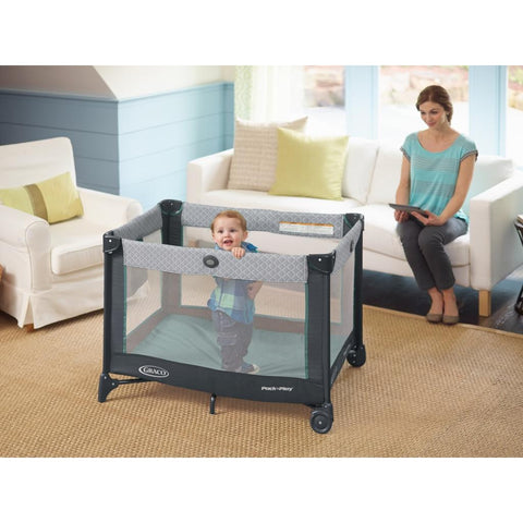 Graco Pack 'n Play Playard with Newborn Napper Station