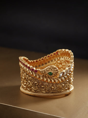 Gold-Plated Kundan Floral Patterned Broad Bracelet