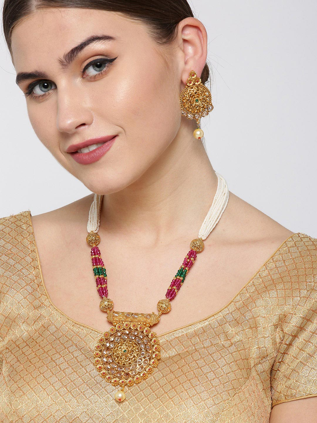 White Beads Kundan Pearls Gold Plated Jewellery Set