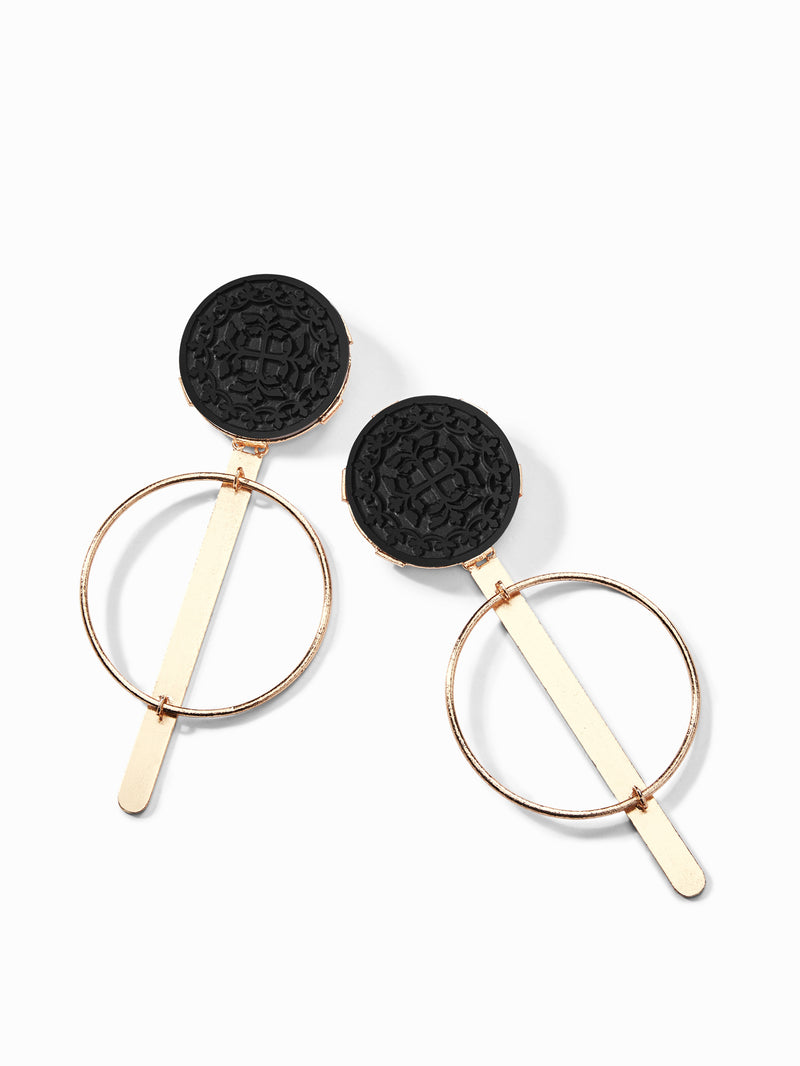 Gold Onyx Round Earrings
