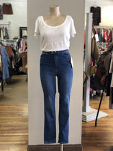 Load image into Gallery viewer, Free People Skinny Jeans NWT