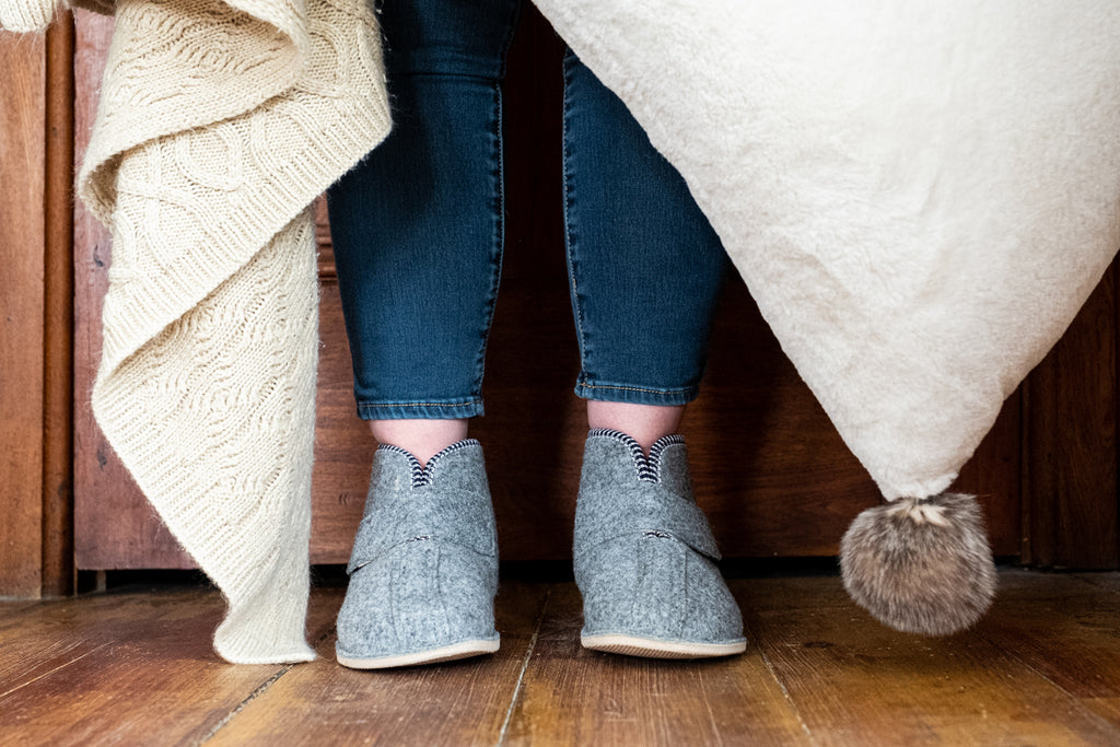 Women's felt slippers made in Poland with warm wool lining