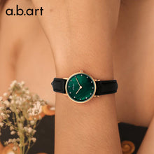 Load image into Gallery viewer, Green Pearl Lady Watch 26mm