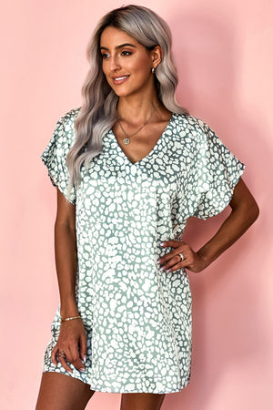 Green V-Neck Half Sleeve Leopard Casual T Shirt Dress with Pockets
