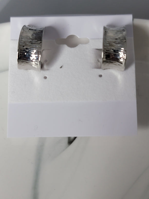 shiny silver clip fashion earrings
