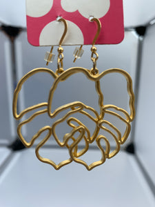 leaf cut out earrings (gold)
