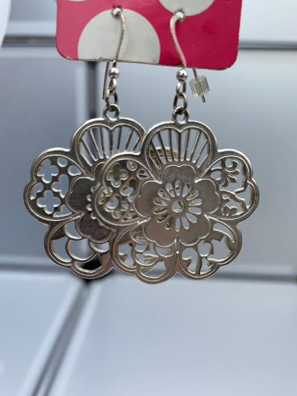 filigree cut out on a hook (Silver)