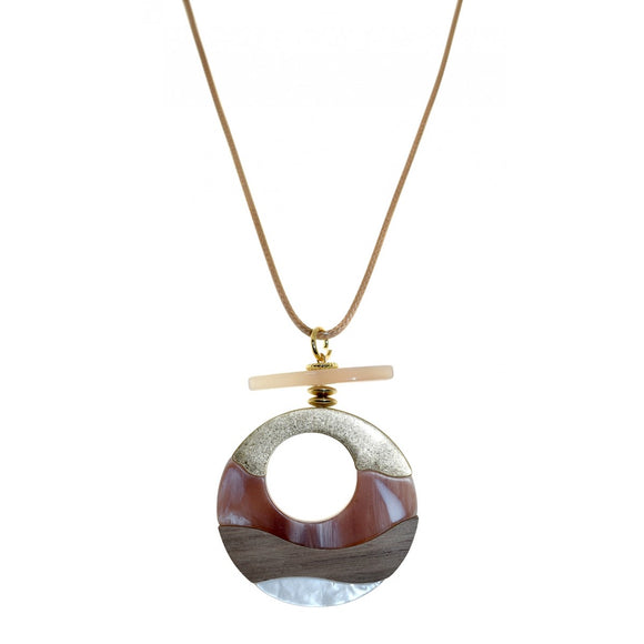 wood and resin fashion  jewellery necklace