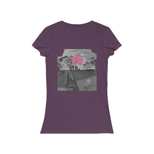Yandō Glowing Hibiscus Short Sleeve V-Neck Tee - Yando