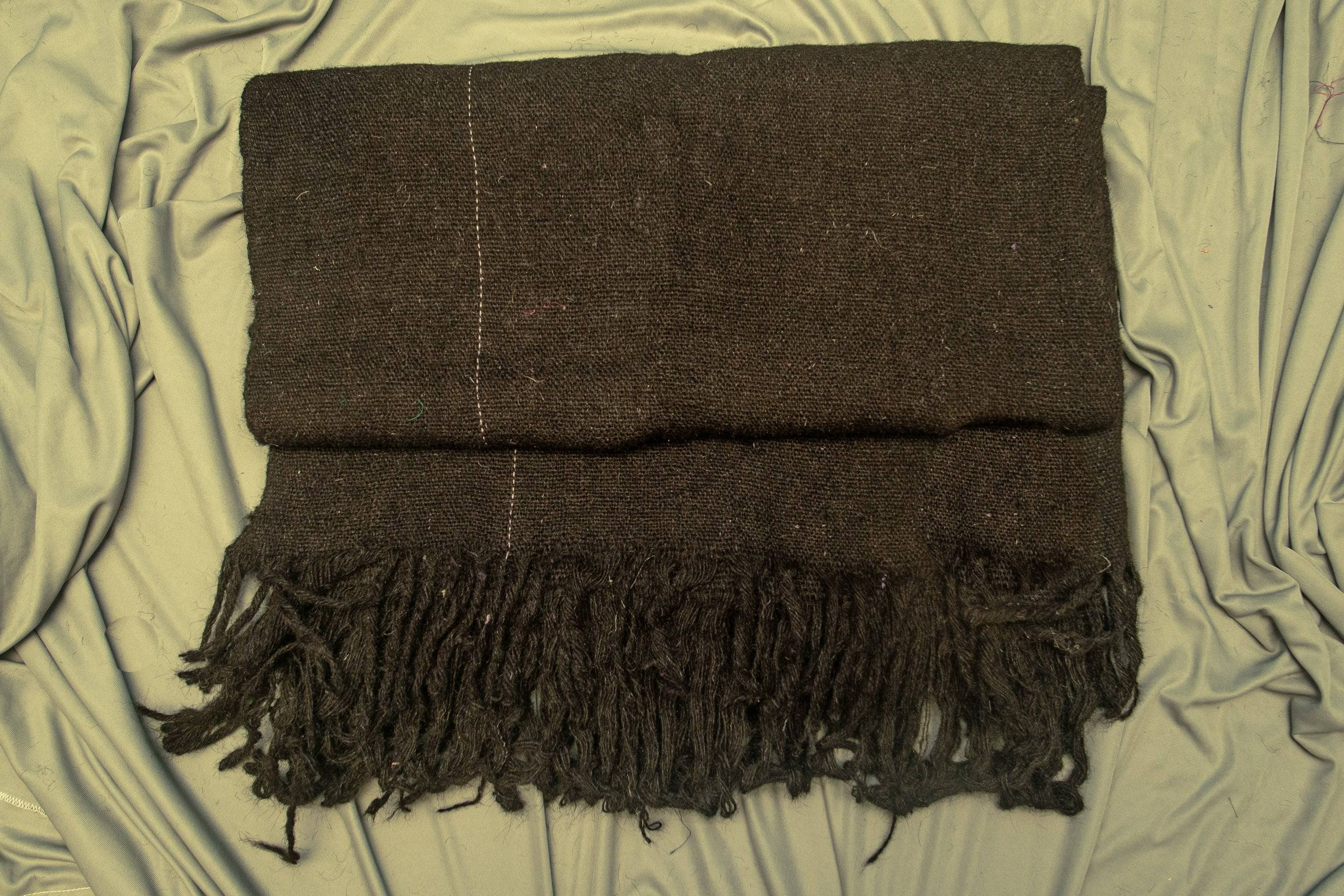 Traditional Handmade Pure Woolen Ghongadi Blanket - WEAR COURAGE
