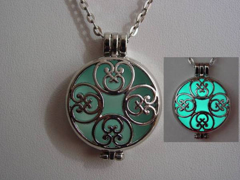 Frozen Locket Necklace Glow In The Dark Frozen Blue Ice Heart Locket