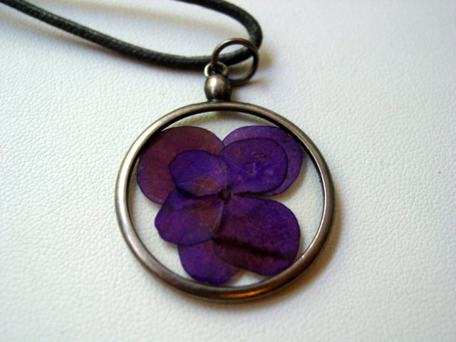 Purple Hydrangea Dried Pressed Flower In Resin Platinum Setting Necklace (2)