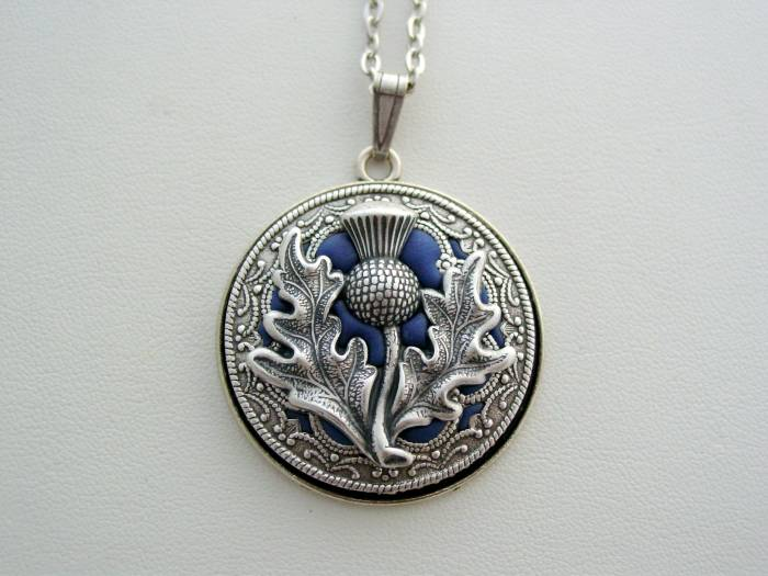Thistle Necklace, Victorian Layered Thistle Necklace, Renaissance Thistle Pendant, Detailed Filigree Necklace, Unique Scotland's National Flower Pendant
