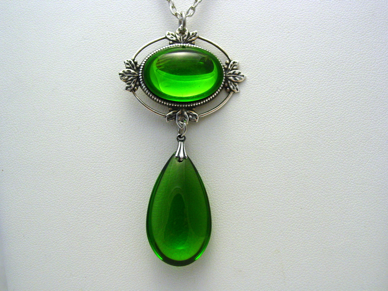 Witches Of East End Green Silver Oxidized Finish Necklace Wendy's Witches of East End