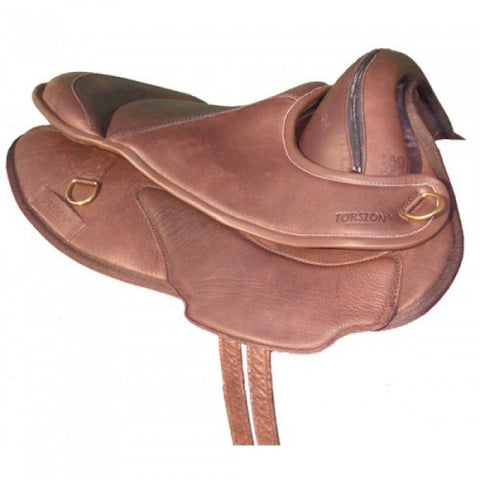 "Torsion Close Contact Treeless Saddle 17"" Brown with pad"