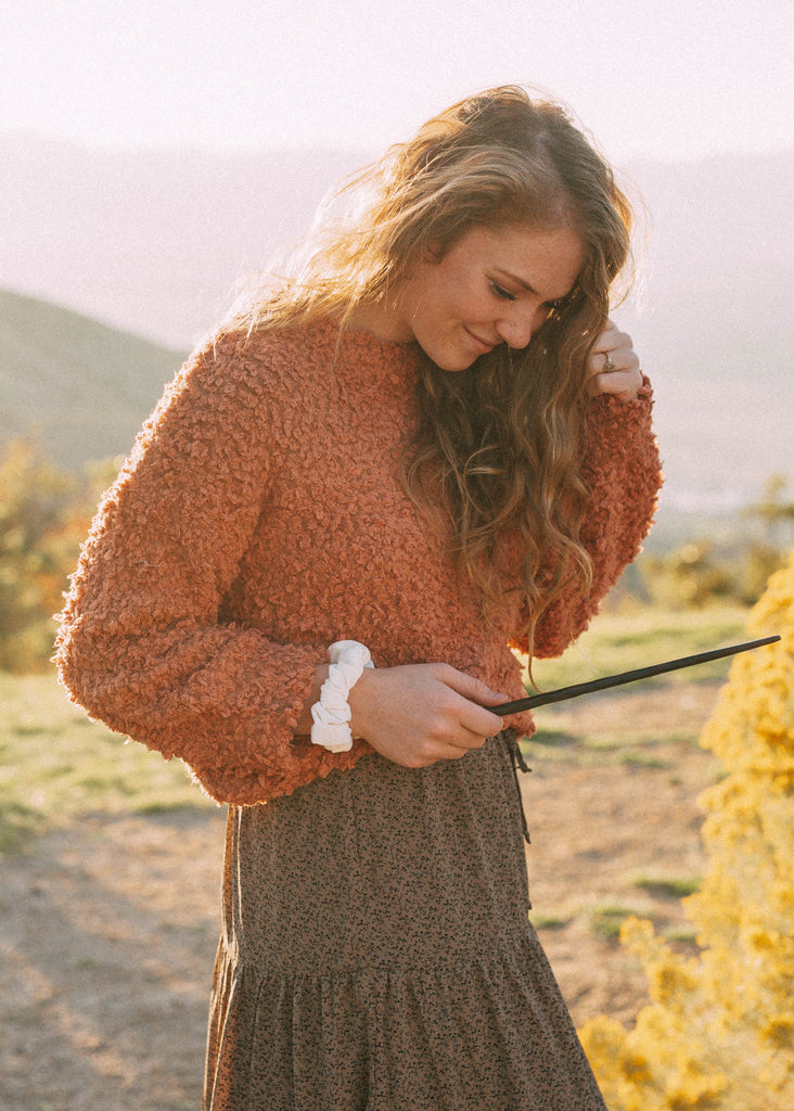 poppy sweater in coral
