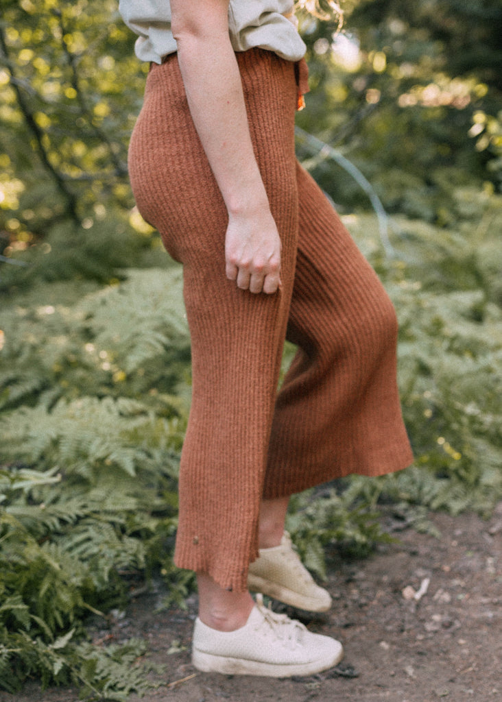winter term lounge pants in rust