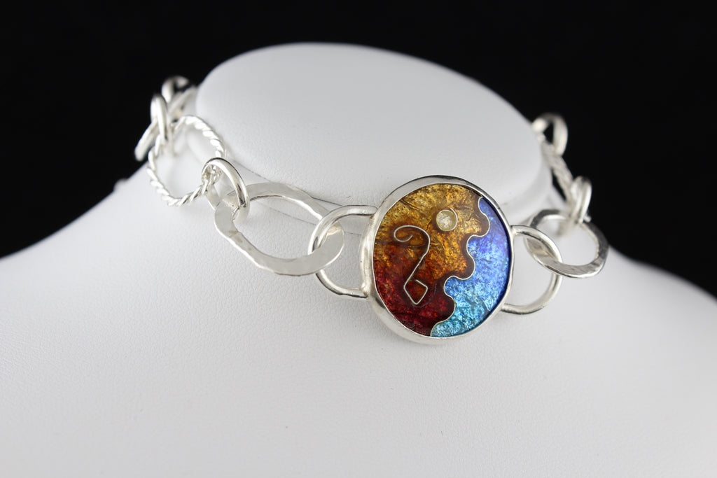 Abstract Cloisonné Enamel Bracelet with a hook clasp, 7.5 inches