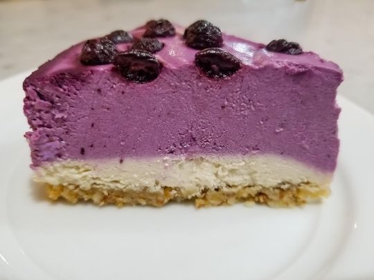 Keto Blueberry Cashew Cheesecake