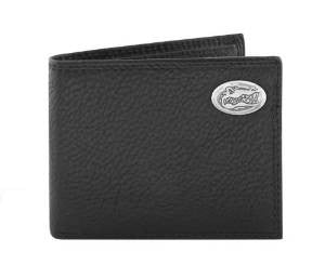 Pebble Grain Leather Bifold Concho Wallet